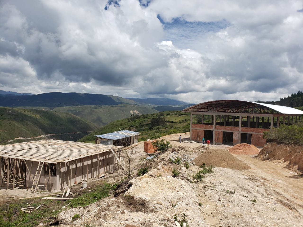 Construcción de nuevo camal municipal de Chachapoyas presenta avance considerable en su ejecución.